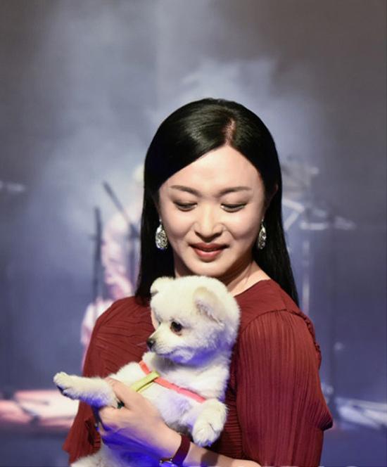 金星领衔主演•经典喜剧《狗魅Sylvia》