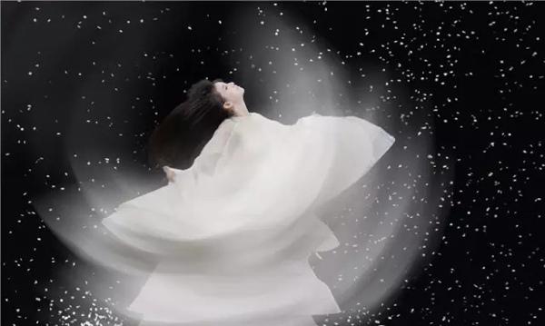 杨丽萍大型舞剧《孔雀》